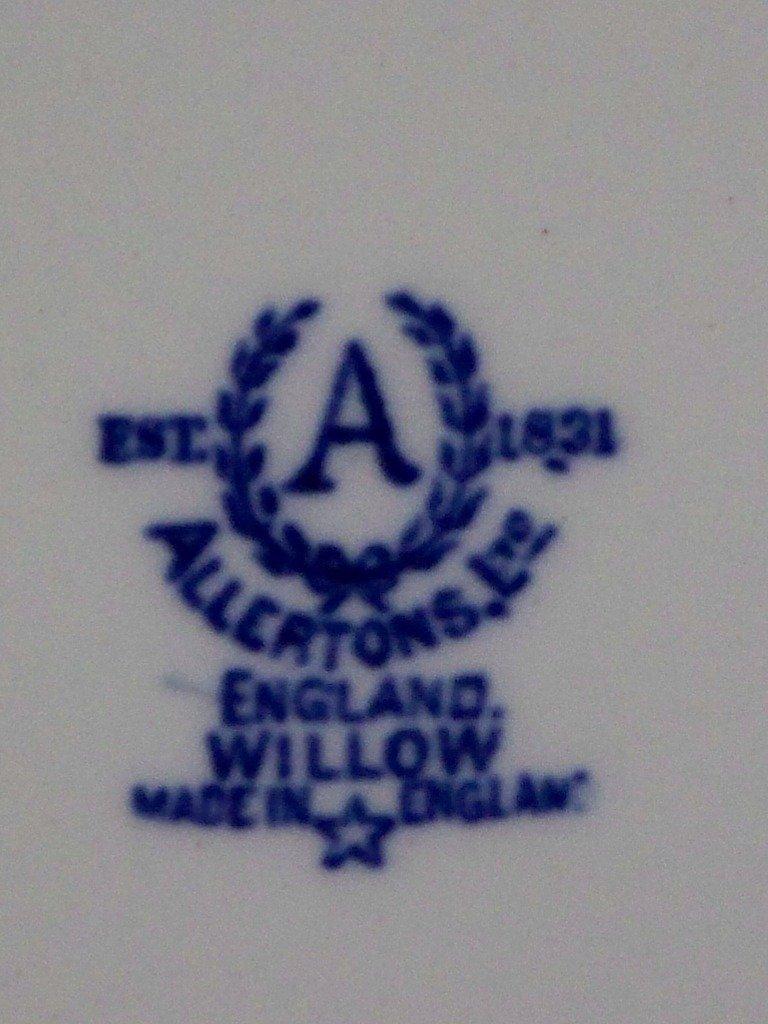 9: Rare Allertons Scalloped Edge Blue Willow Platter - 5