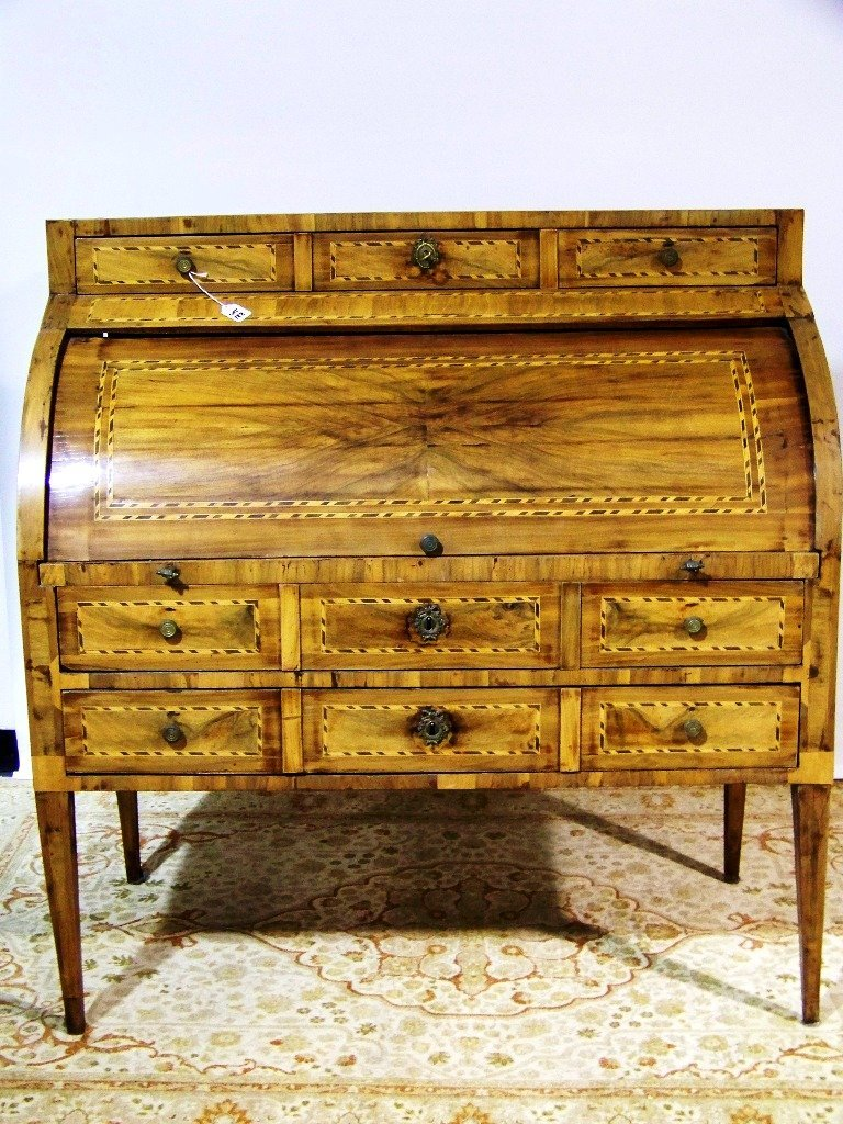 188: Fine Period Louis XVI Inlaid Cylinder Desk