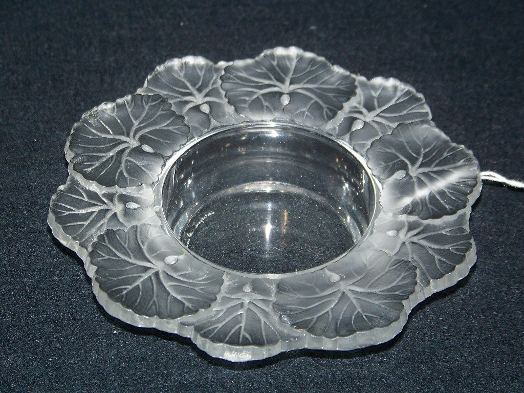 11: Signed Lalique France Frosted Glass Leaf Bowl