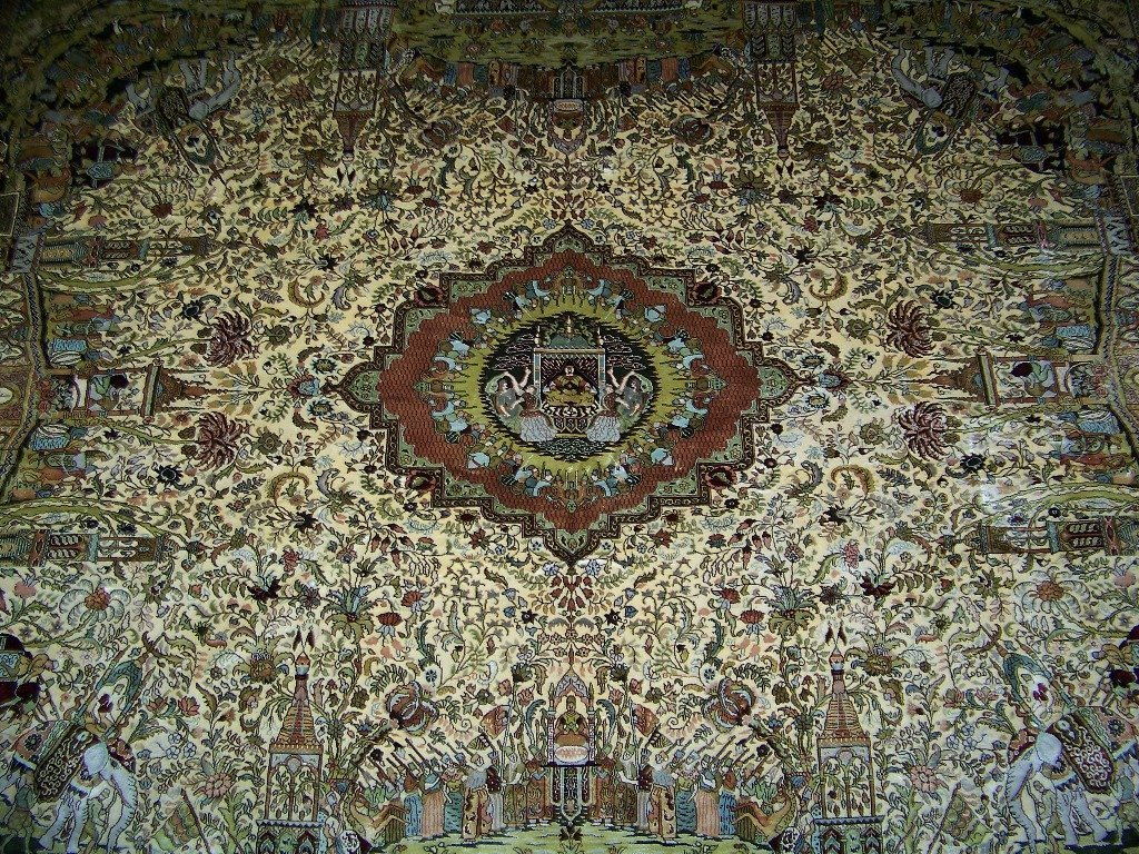 Very Fine Vintage Figural Persian Silk Tabriz Rug 14' x - 4
