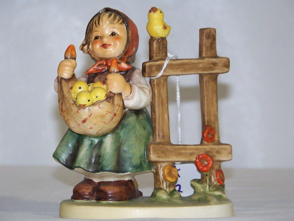 """Earl;y M.J.Hummel Figure """"Chicken Licken """""""