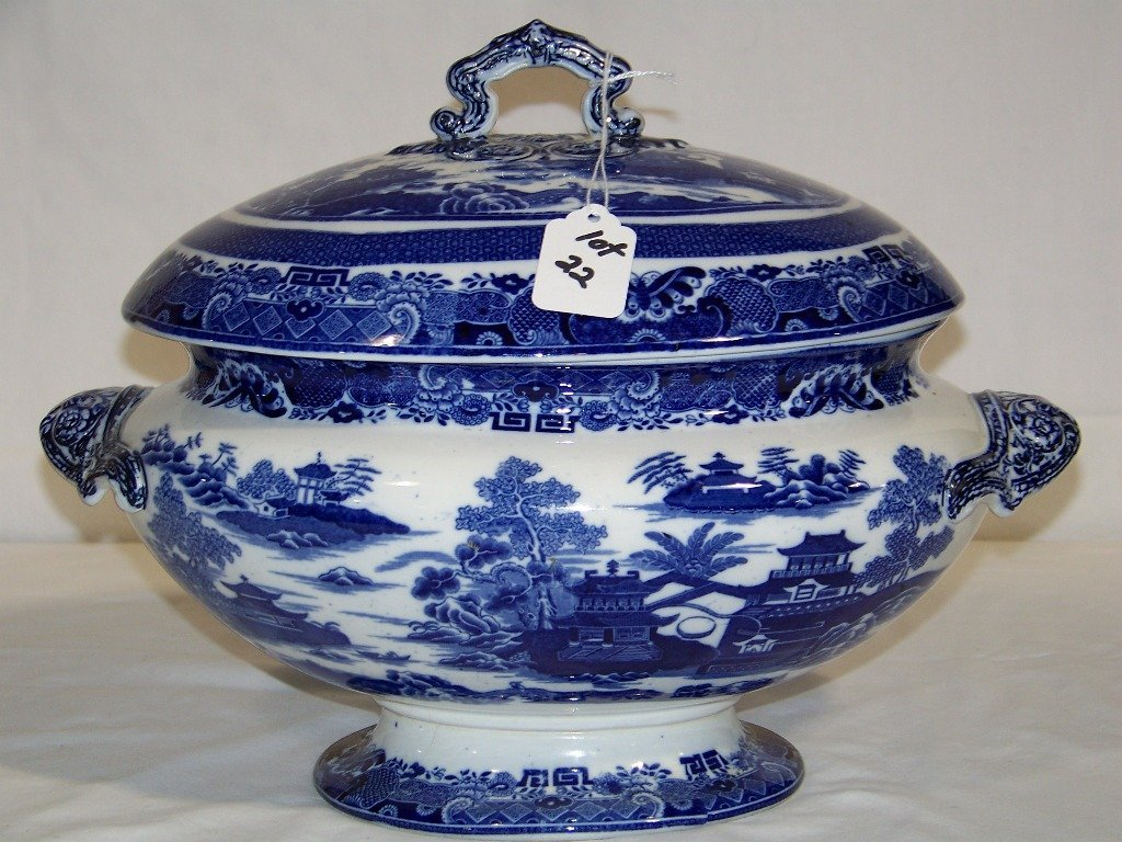 Early Copeland Chinese Design Blue & White Tureen