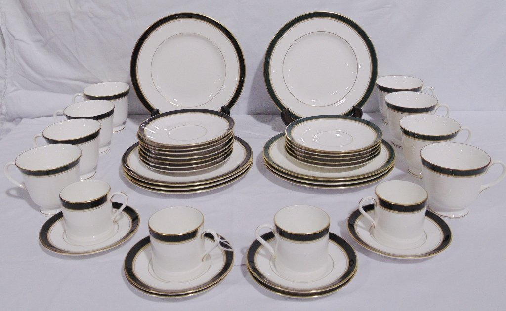 38 Pcs. of Royal Worcester in the Howard Pattern