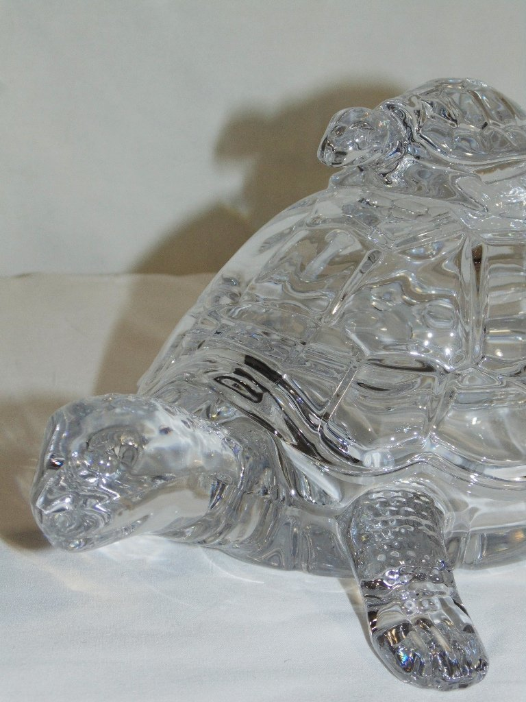 VINTAGE CRYSTAL MOTHER TURTLE & BABY LIDDED CANDY DISH - 3
