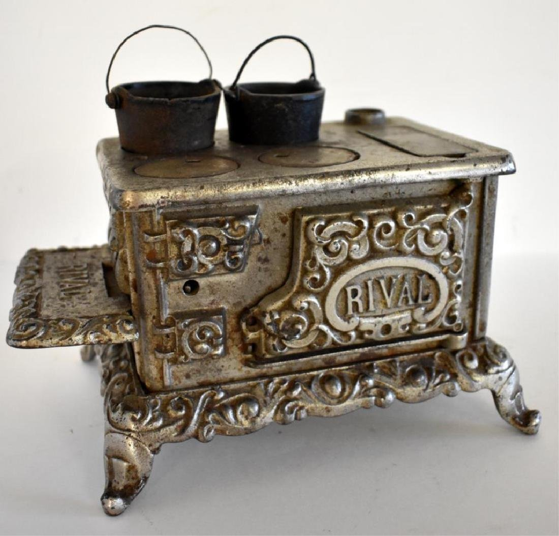 ANTIQUE RIVAL CAST IRON TOY COOK STOVE - 2