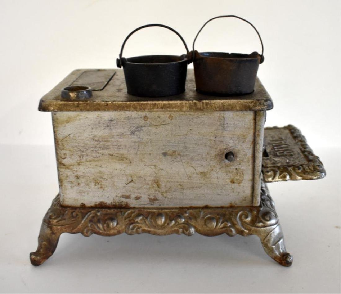ANTIQUE RIVAL CAST IRON TOY COOK STOVE - 5