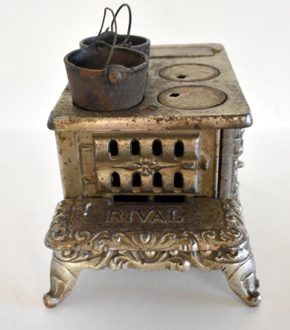 ANTIQUE RIVAL CAST IRON TOY COOK STOVE - 6