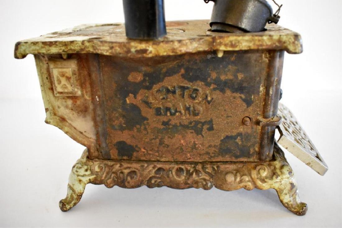 ANTIQUE ROYAL CAST IRON TOY COOK STOVE - 5