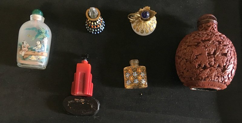 ASSORTED SNUFF AND PERFUME BOTTLES
