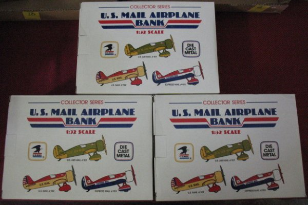 18: US Mail Airplane Banks