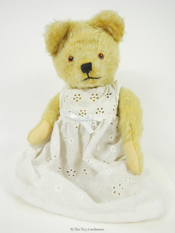 11: A post-war British Musical Teddy Bear
