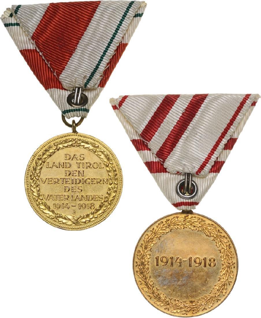 Lot of 2 Medals - 2