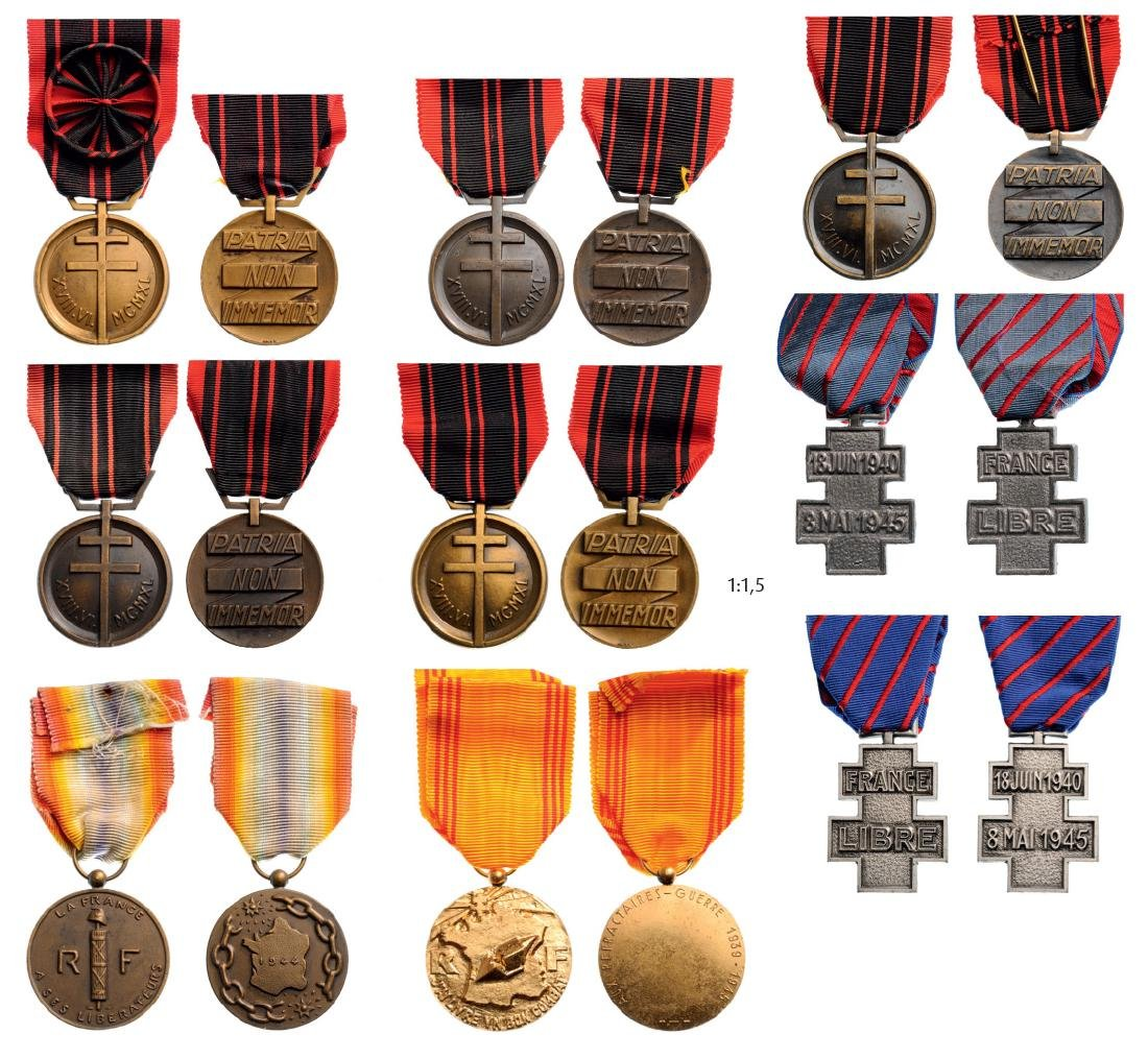 Lot of 9 Decorations