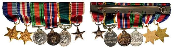 Medal Bar with 6 Miniatures