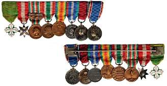 Medal Bar with 8 Miniatures