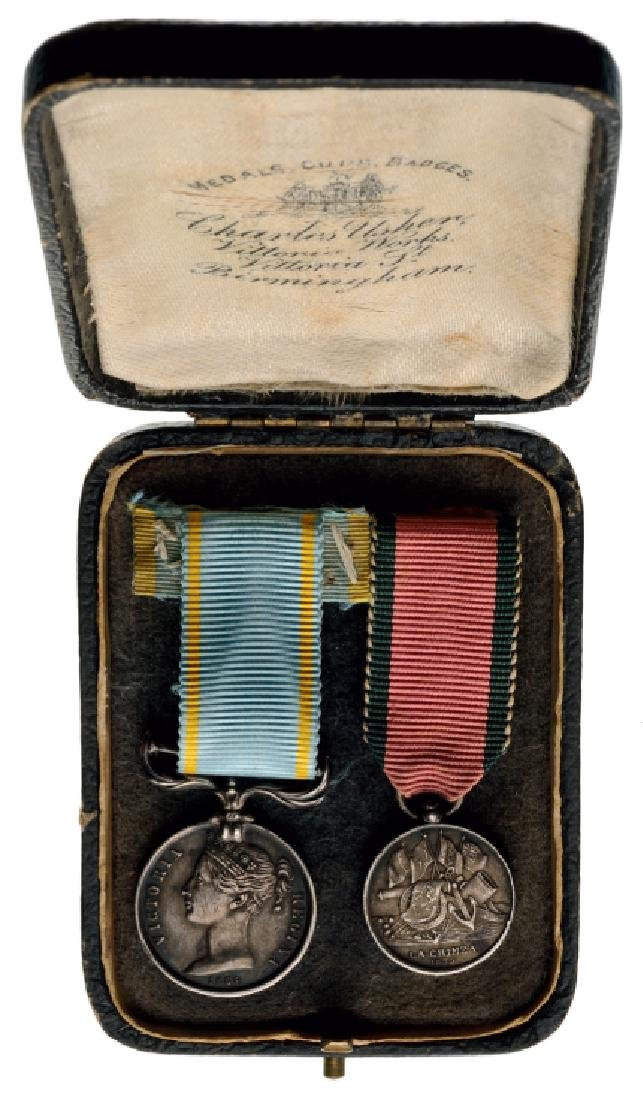 Mounted Group of 2 Miniatures Medal for the Crimean War