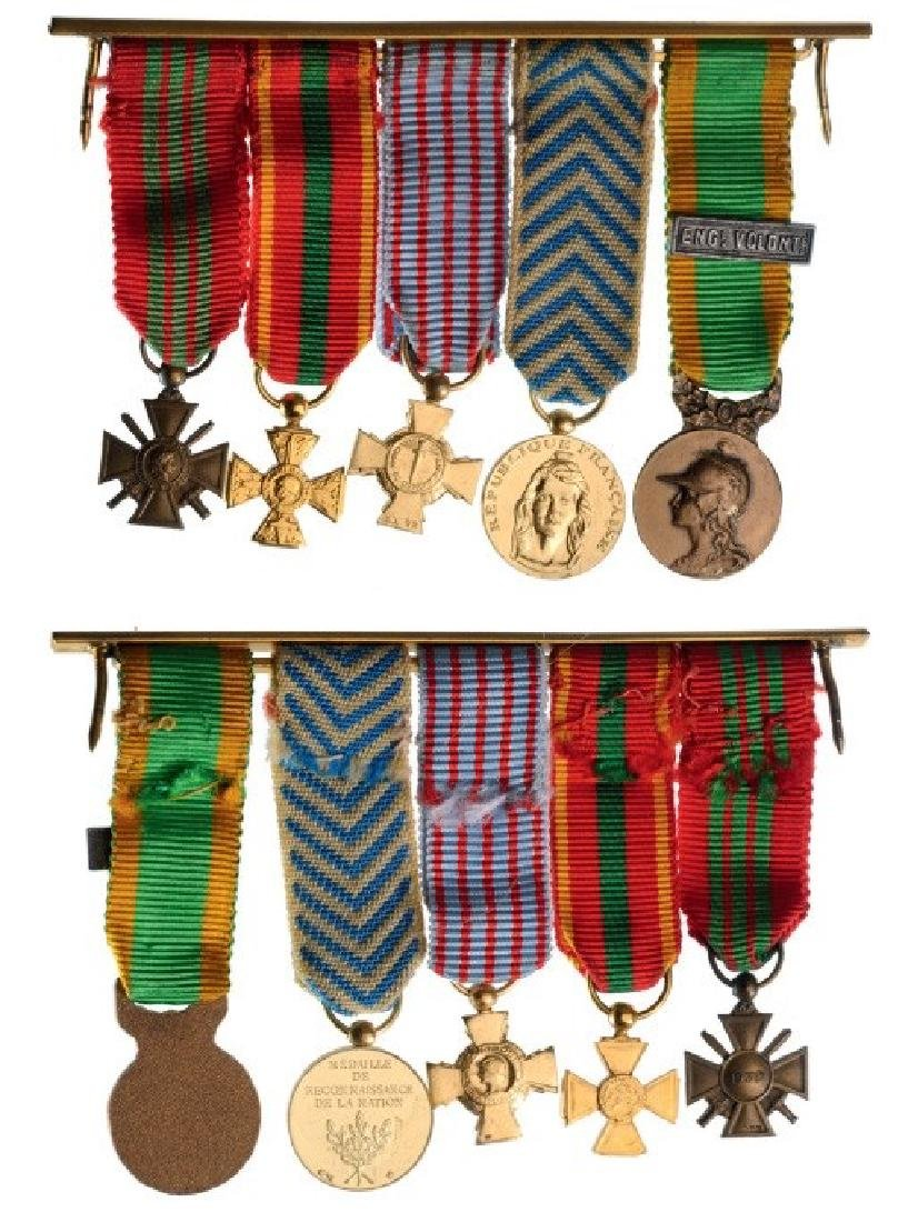 Medal Bar with 5 Miniatures