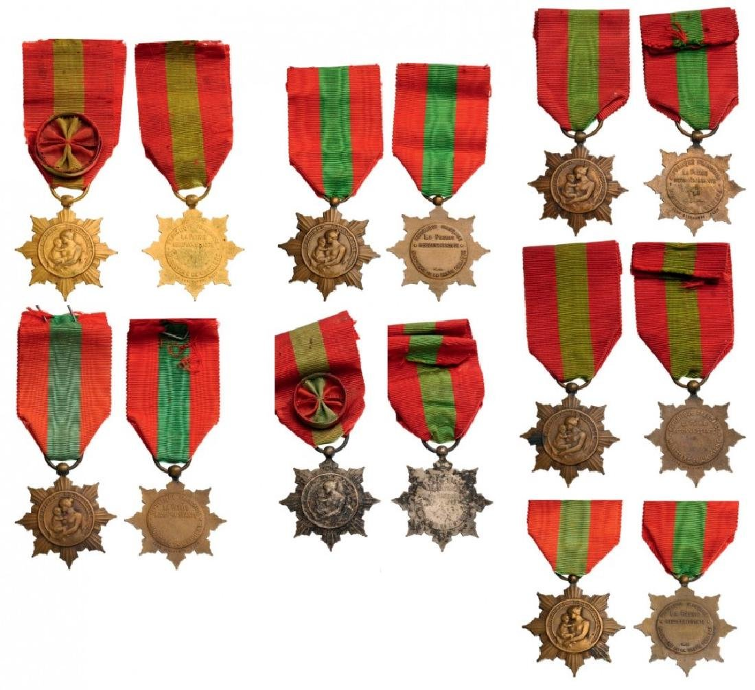 Numerous Family Honor Medals
