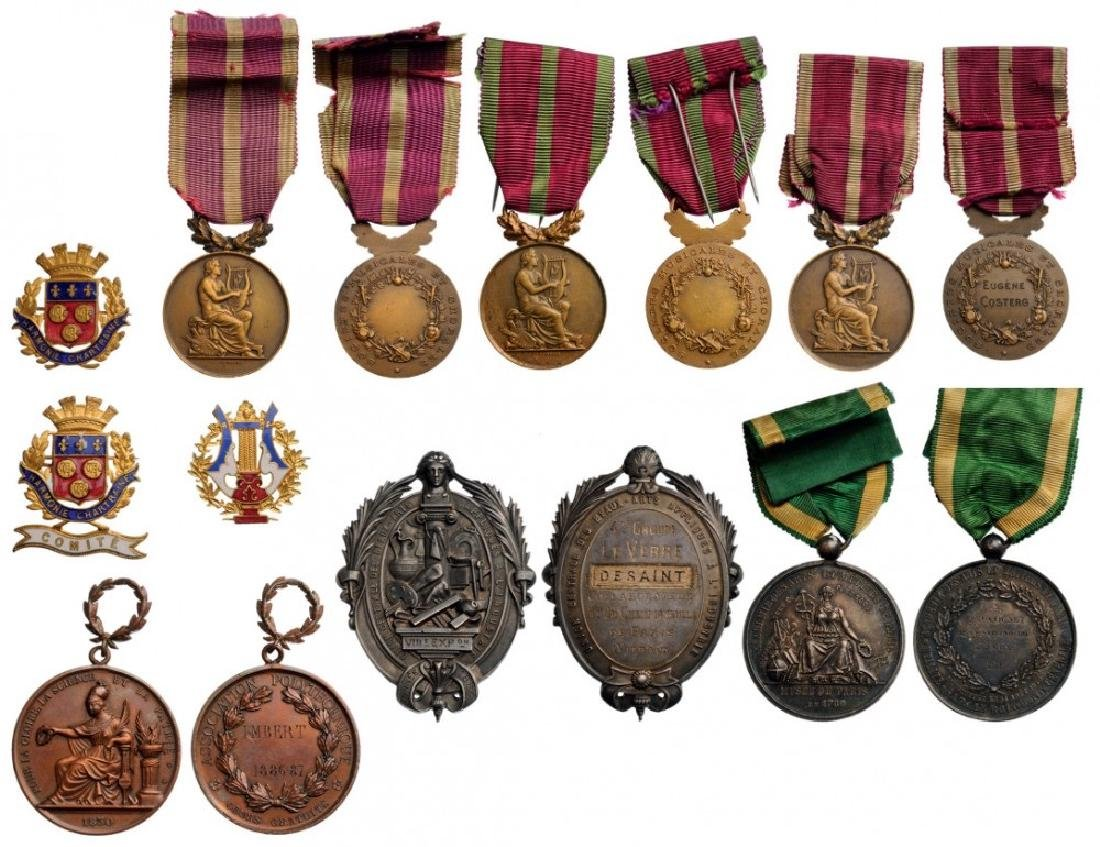 Medals and Badges related to arts and crafts (music,