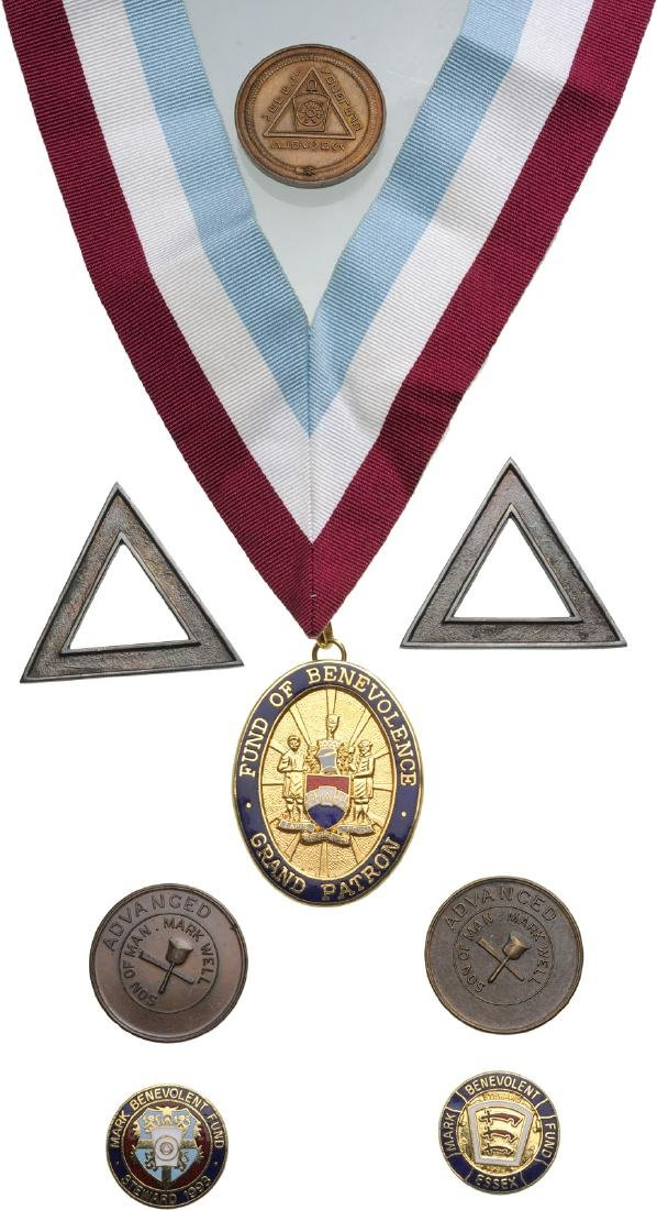 COLLECTION OF 20 MASONIC Badges and Objects - 2