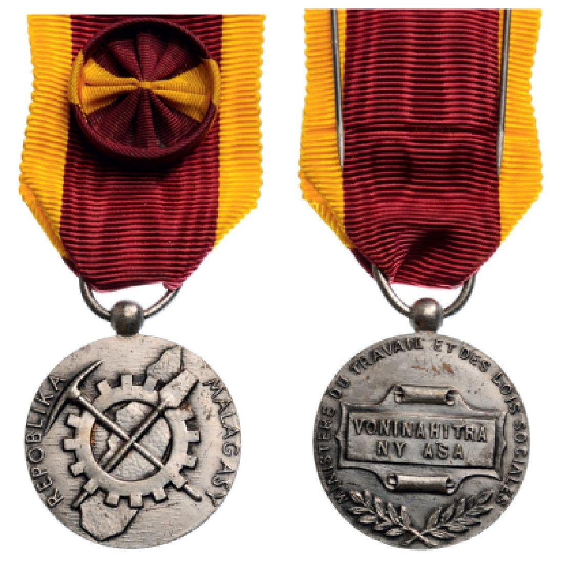 Silver Medal of Honor for Labour, 1st Republic of