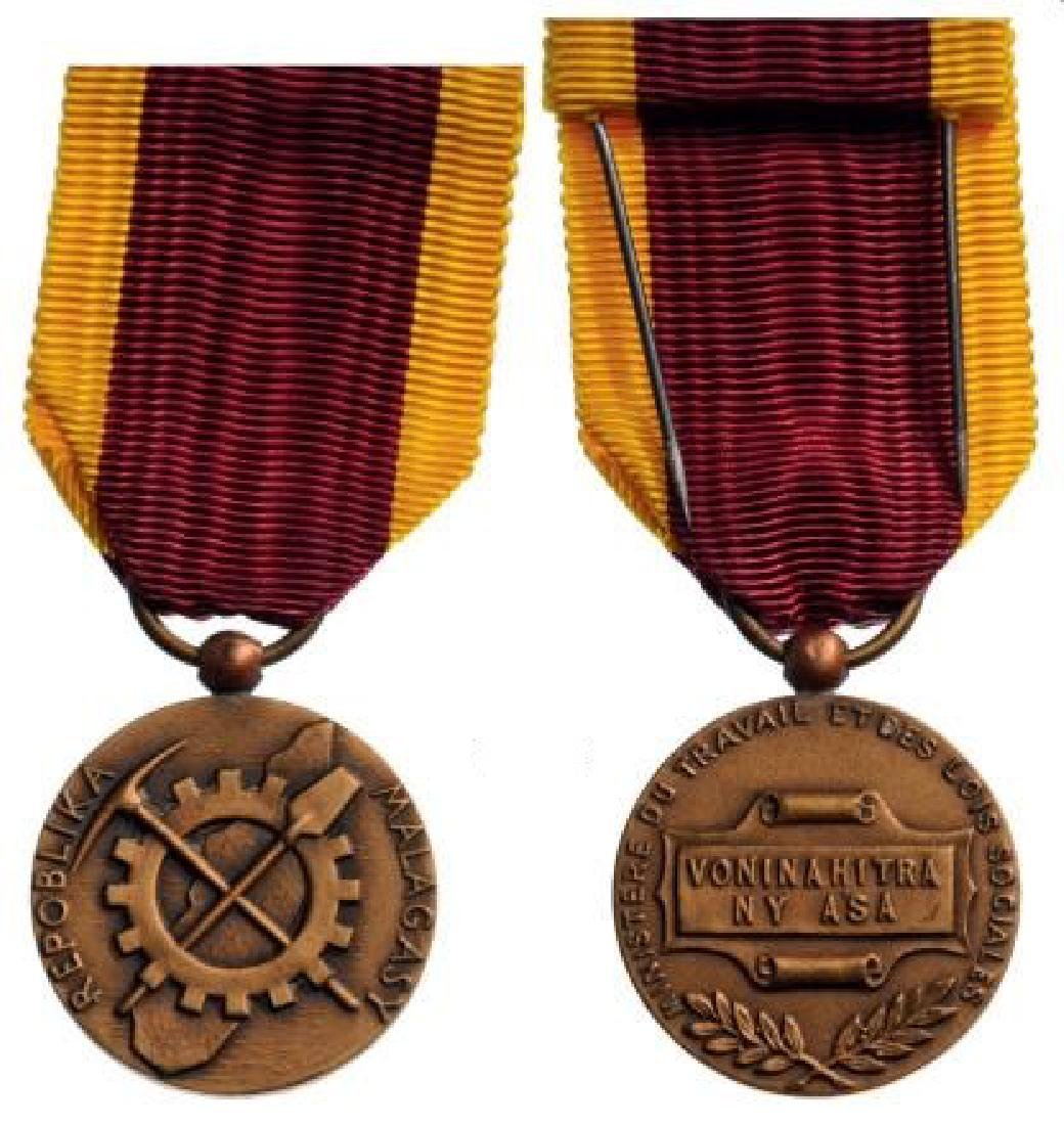 Bronze Medal of Honor for Labour, 1st Republic of