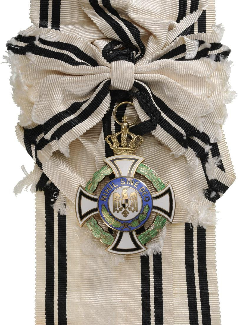 ORDER OF THE ROYAL HOUSE (1935)