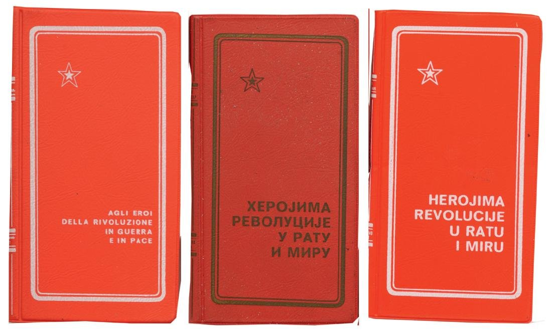 3 times the same booklet on the Decorations of the