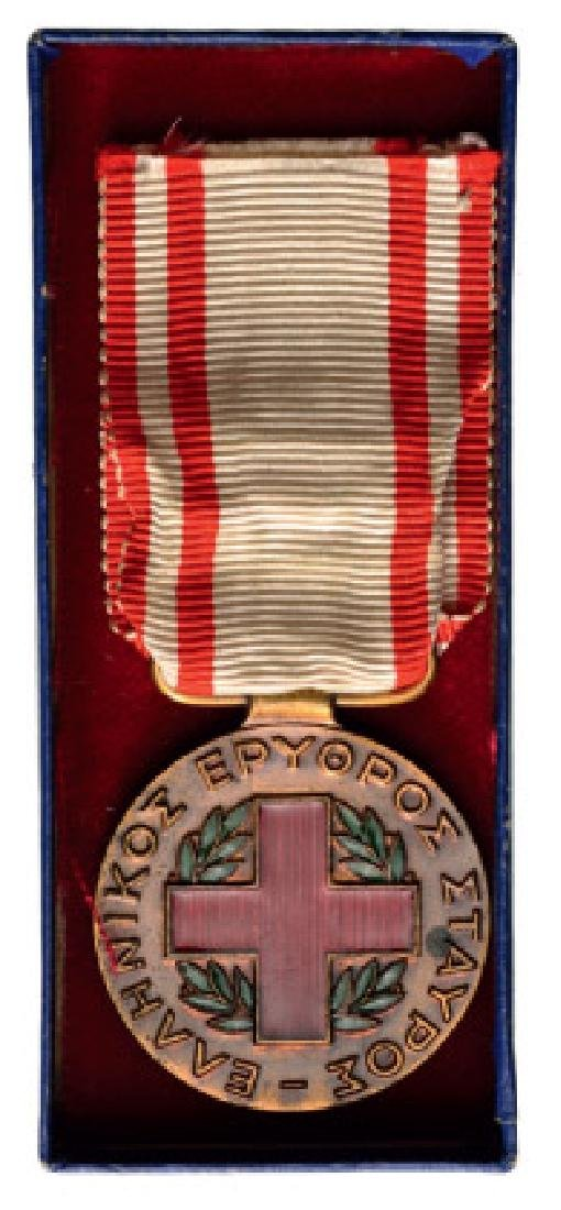 RED CROSS MEDAL 1940-1941, INSTITUTED IN 1949