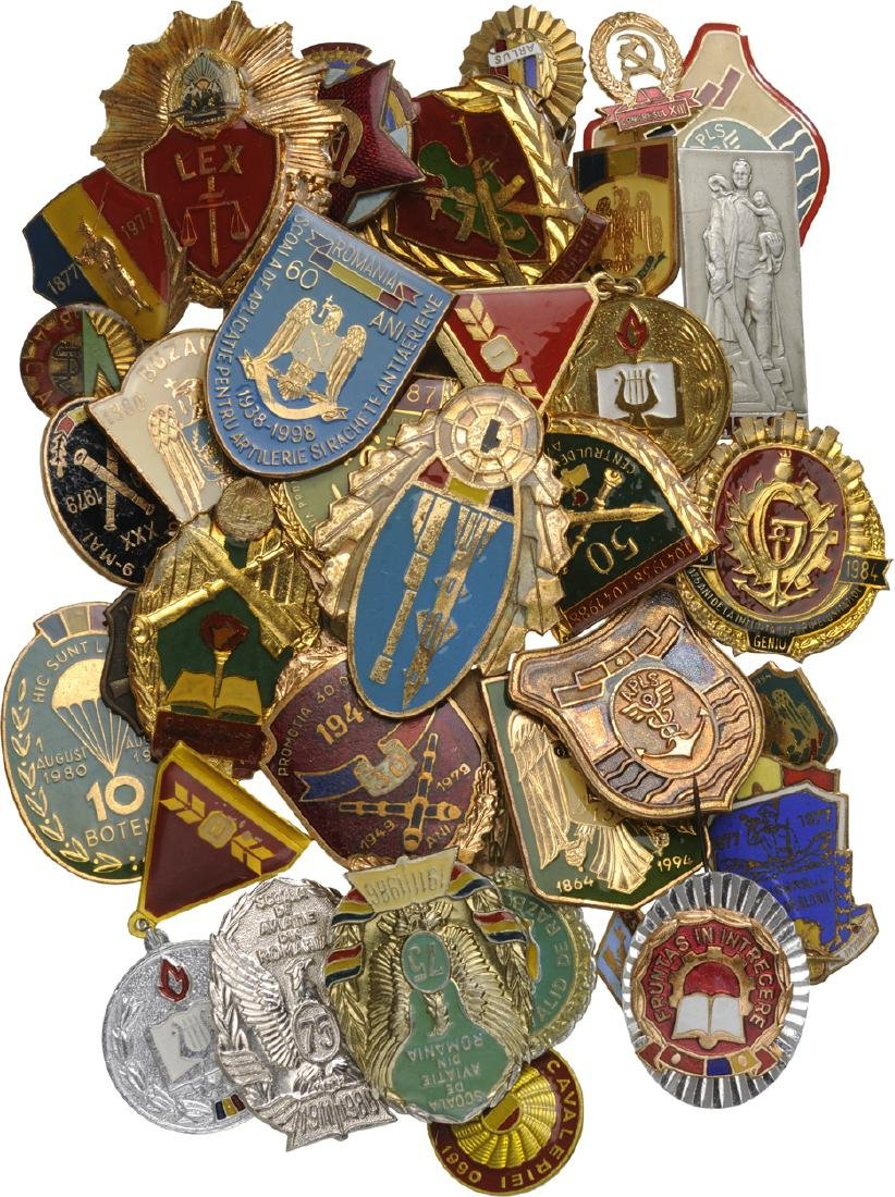 COLLECTION OF 45 MILITARY AND CIVIL RPR-RSR BADGES
