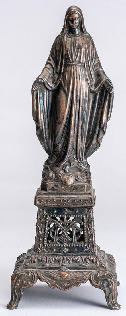Statue with the effigy of the Virgin Mary