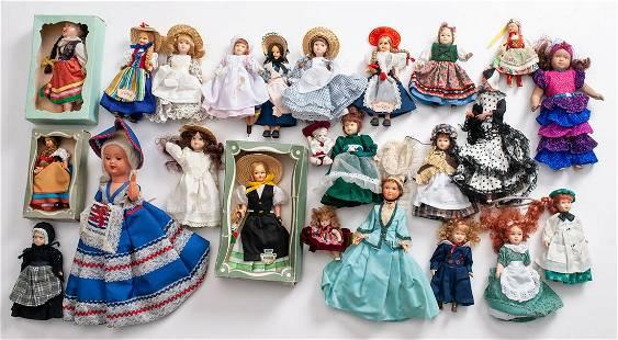 Lot of 55 folkloric dolls