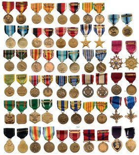 Important Group Of Us Medals