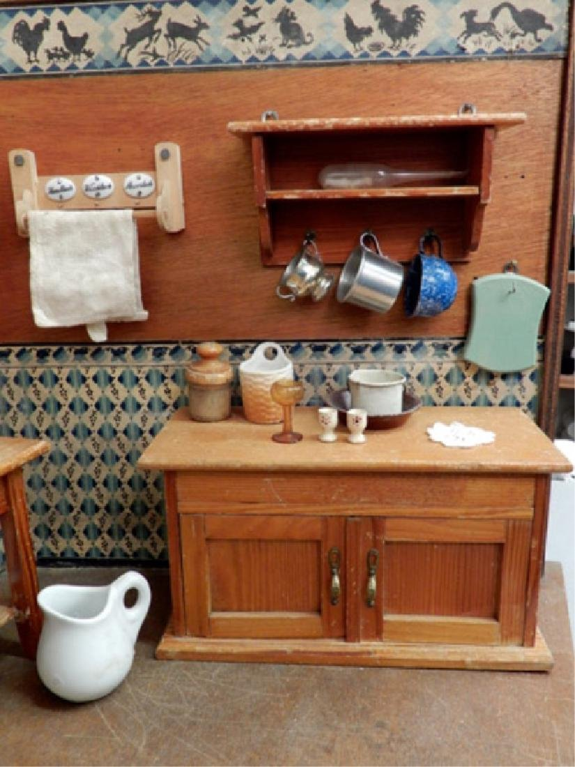 Early 1930's German kitchen room box - 7