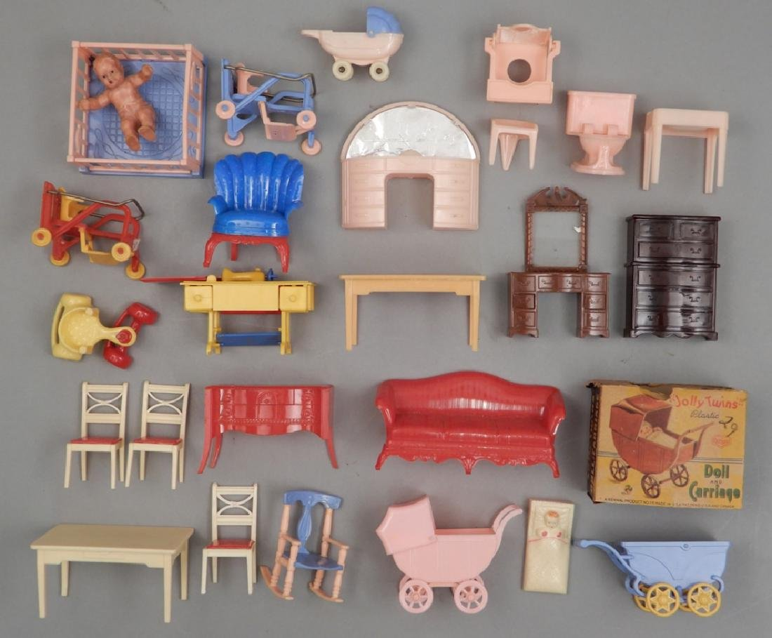 Grouping of 1940's-50's hard plastic doll house