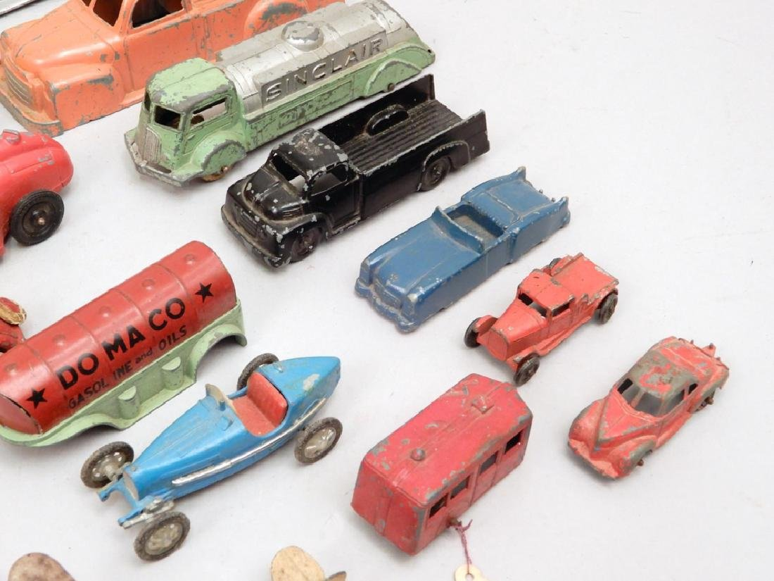 Grouping of Tootsietoy diecast vehicles - 3
