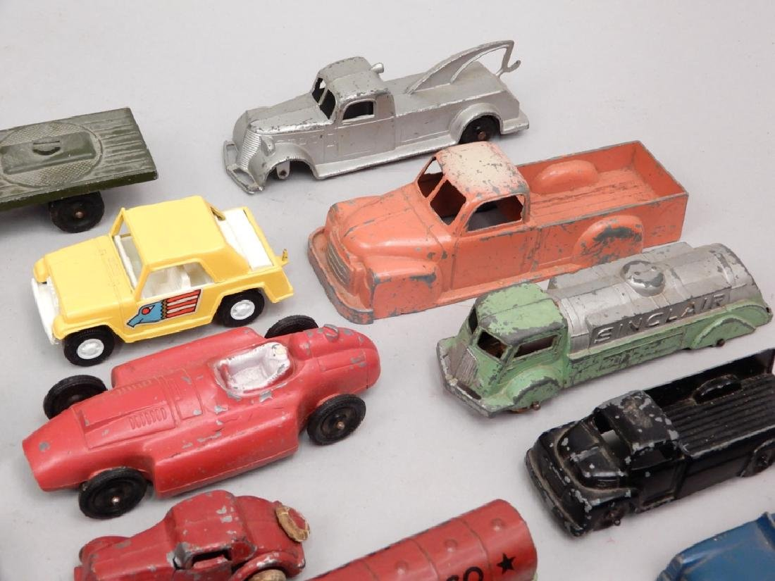 Grouping of Tootsietoy diecast vehicles - 4