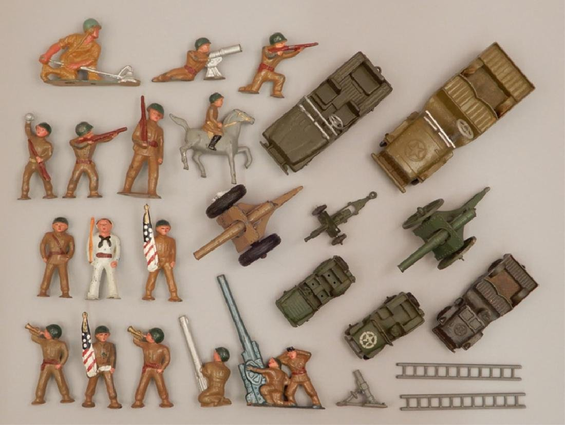 Grouping of diecast military soldiers and vehicles