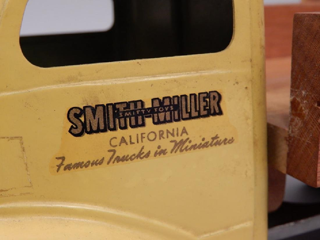 Smith Miller Delivery Truck - 3