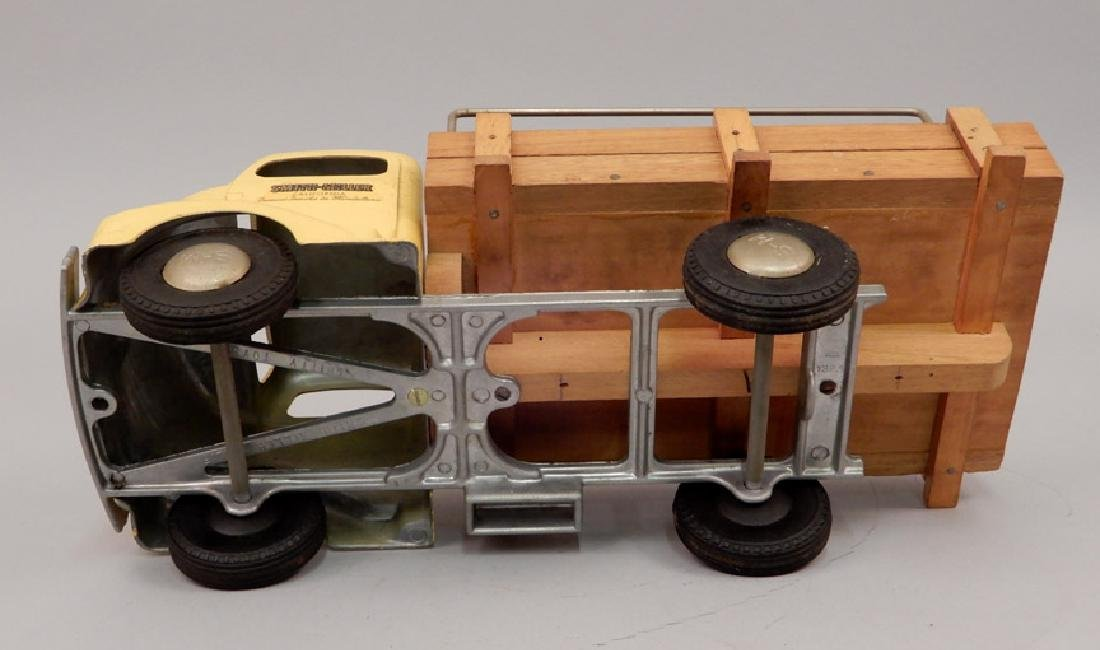 Smith Miller Delivery Truck - 4