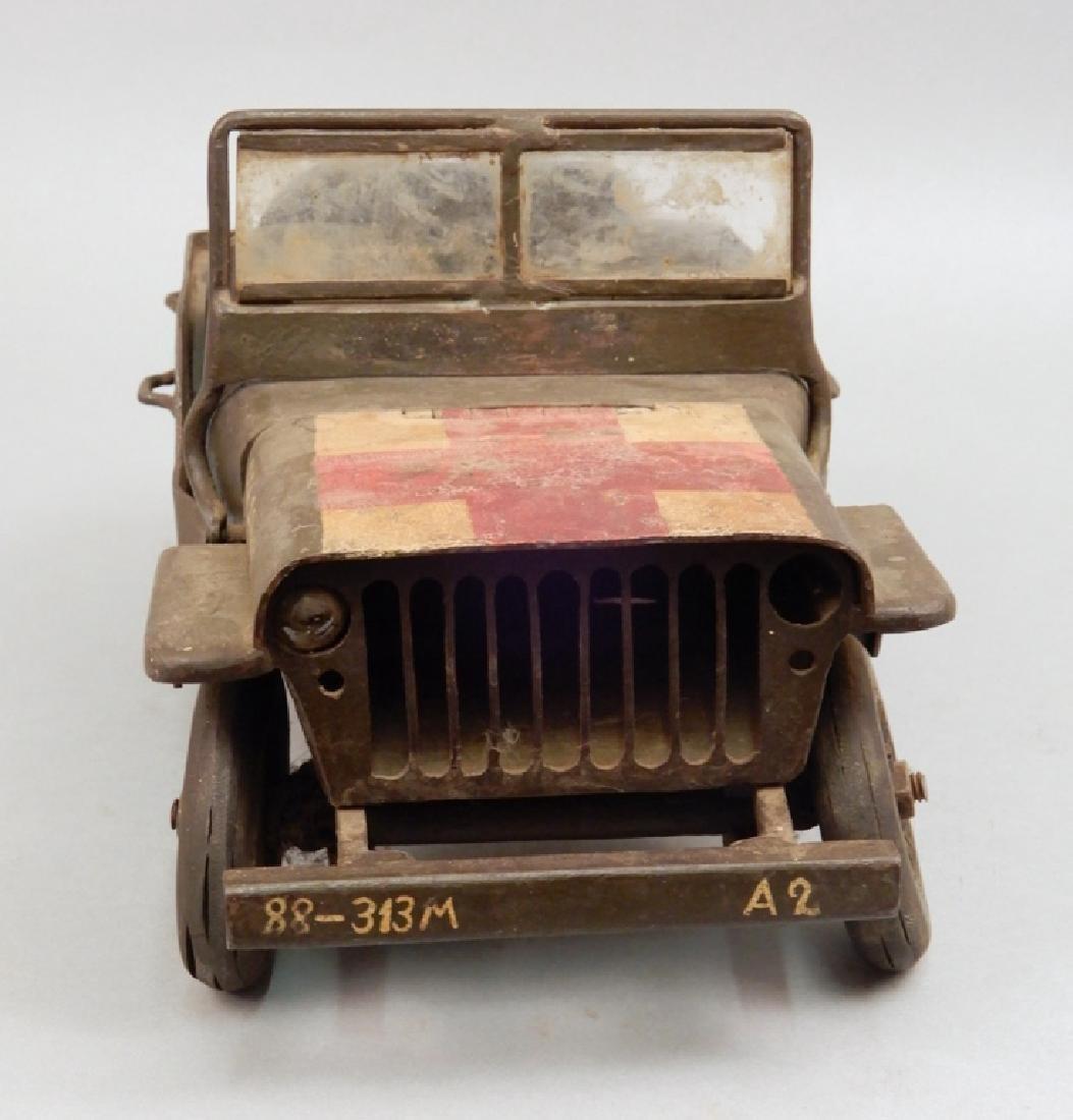 Iron military jeep model - 2