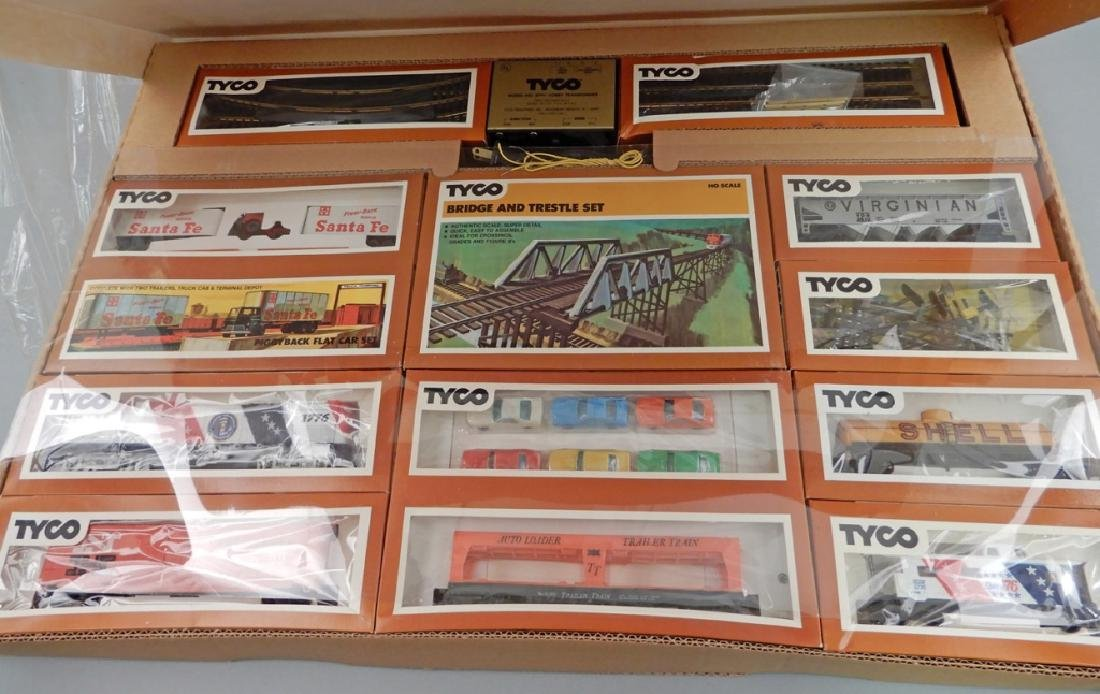 Two Tyco HO scale electric train sets, Spirit of '76 - 3