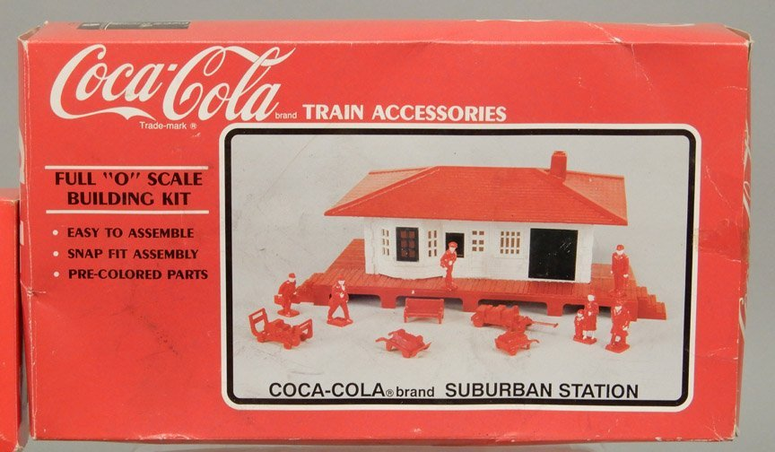 Lionel 8304 engine and tender, Coca-Cola Suburban - 2