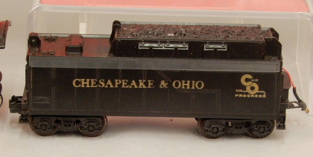 Lionel 8304 engine and tender, Coca-Cola Suburban - 5