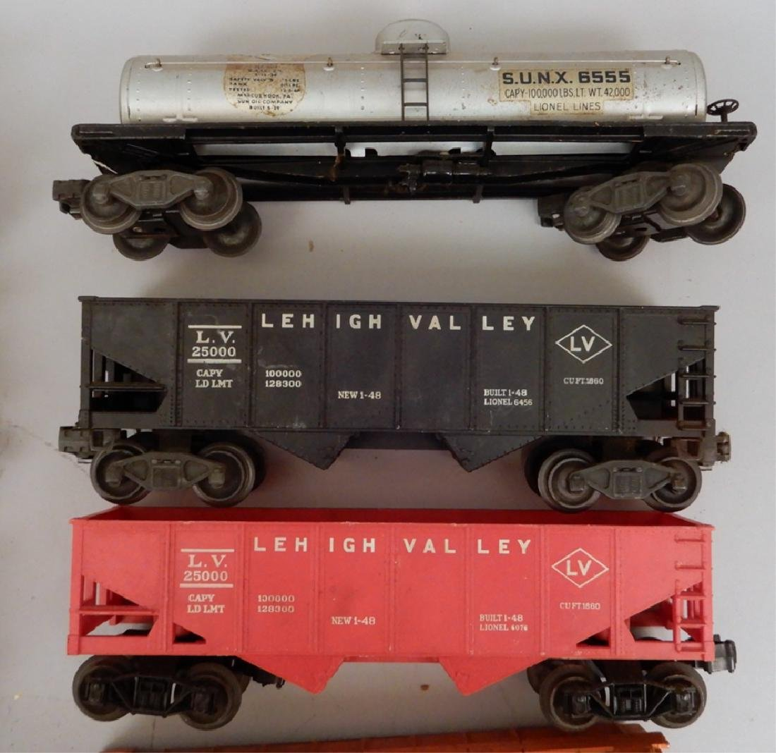 Grouping of Lionel post war O gauge freight cars - 2
