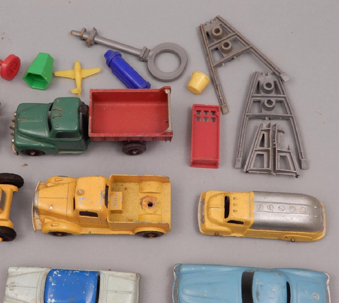 Grouping of diecast vehicles, and plastic vehicles - 4