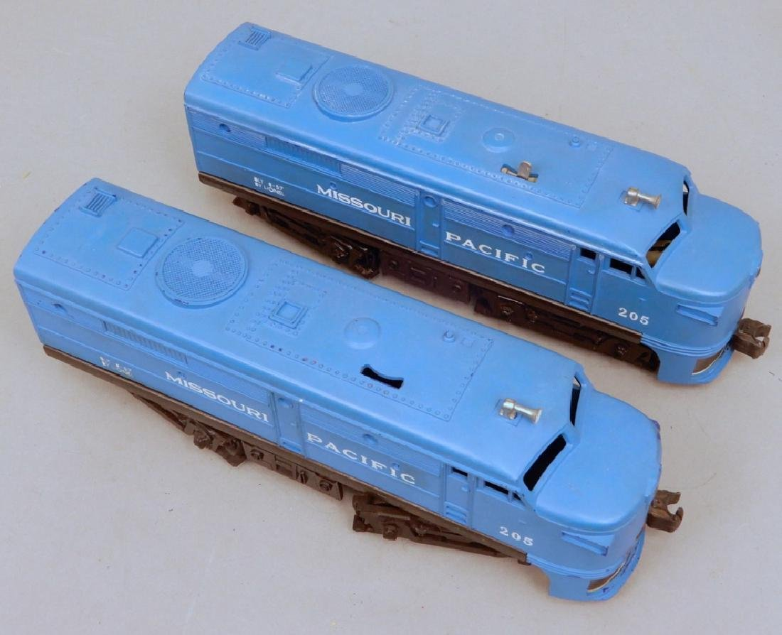 Lionel 205 Missouri Pacific AA Diesel units - 4