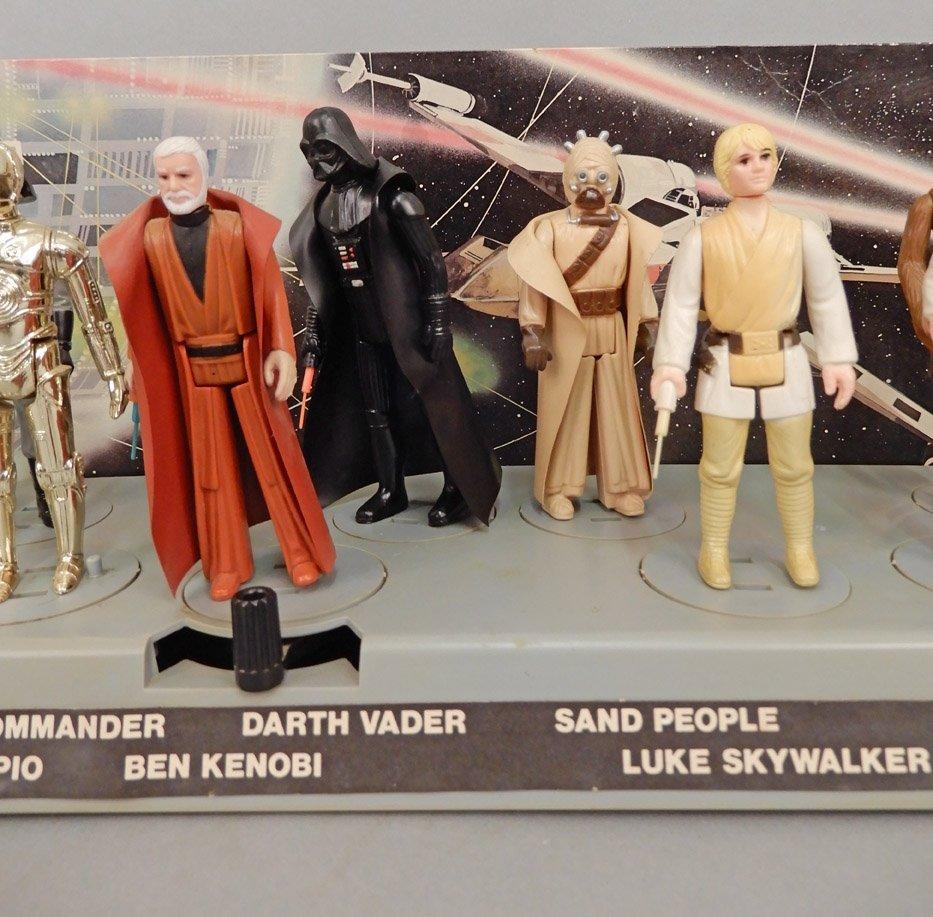 Star Wars 1977 display platform with original figures - 3