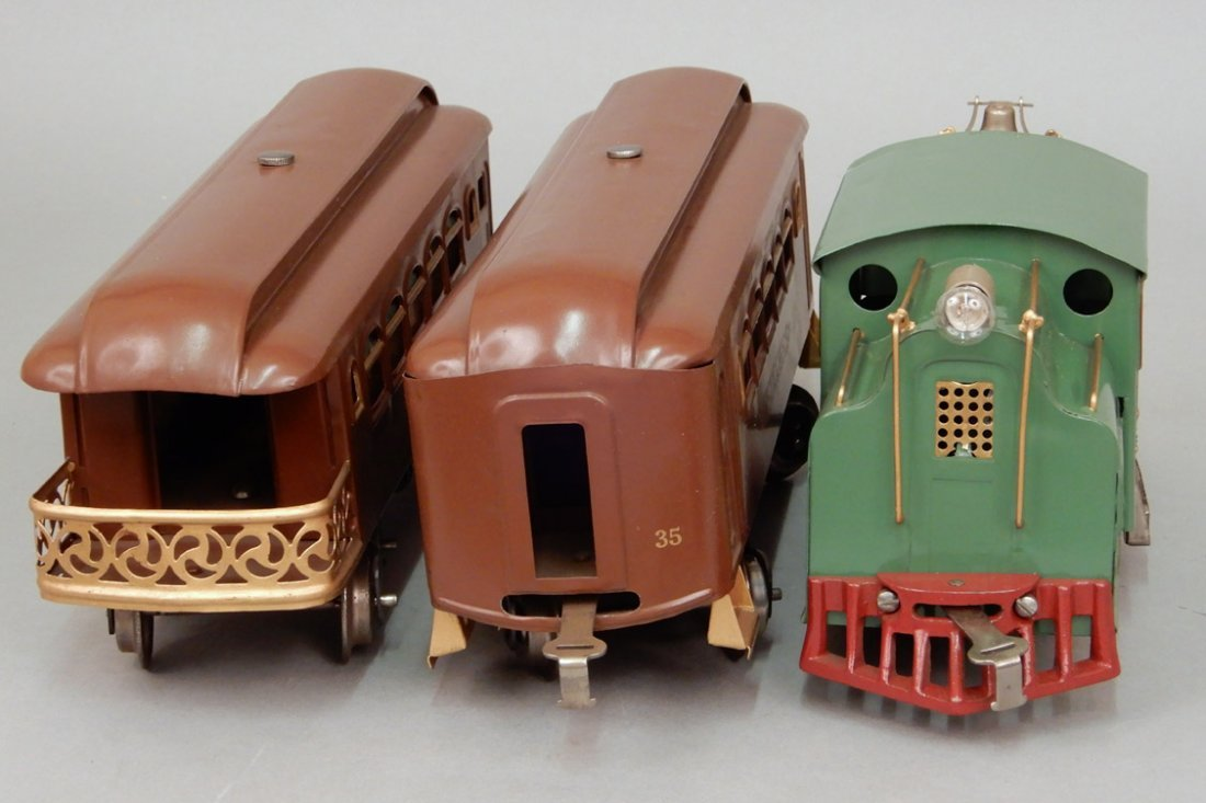 Lionel 33 passenger set - 4