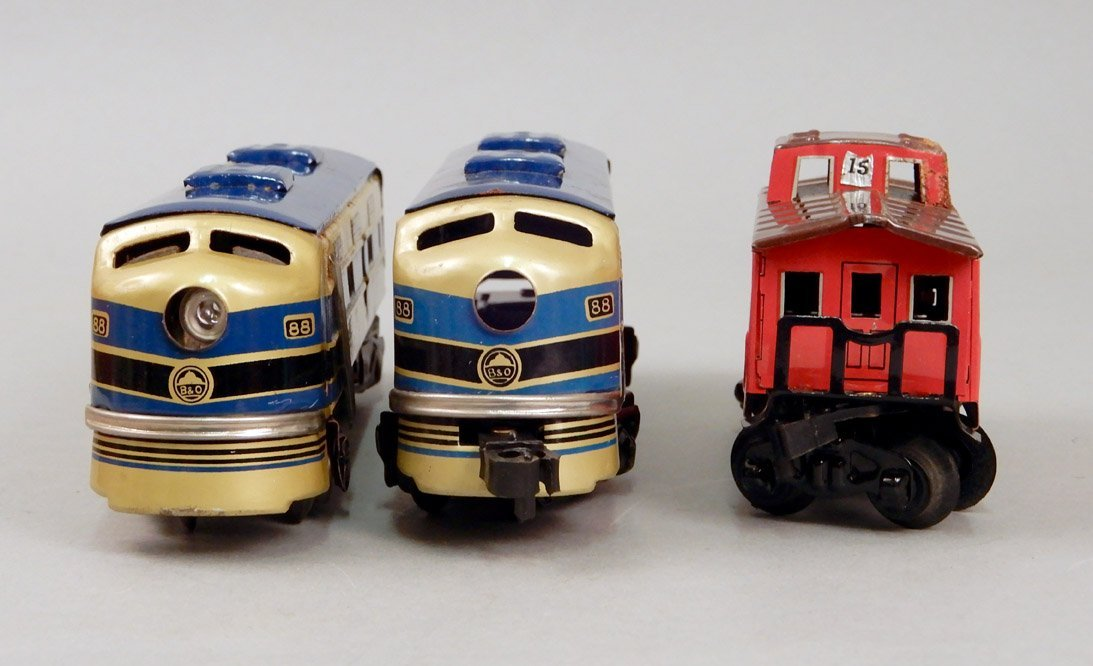 Battery Operated Model Train Set in original box - 4